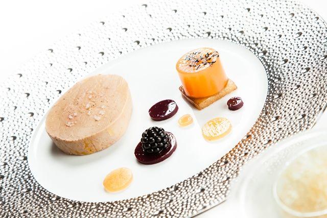 Foie gras de canard vendéen, melon confit aux mûres, granité au vieux pineau. © Thierry Caron
