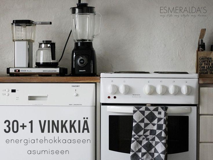 Tässäpä vasta rahanarvoista luettavaa kerrakseen! 30+1 vinkkiä energiatehokkaaseen asumiseen: http://esmeraldas.bellablogit.fi/vinkit-asumisen-energiansaastoon/