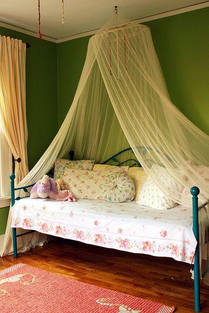 the princess bed, via Flickr.