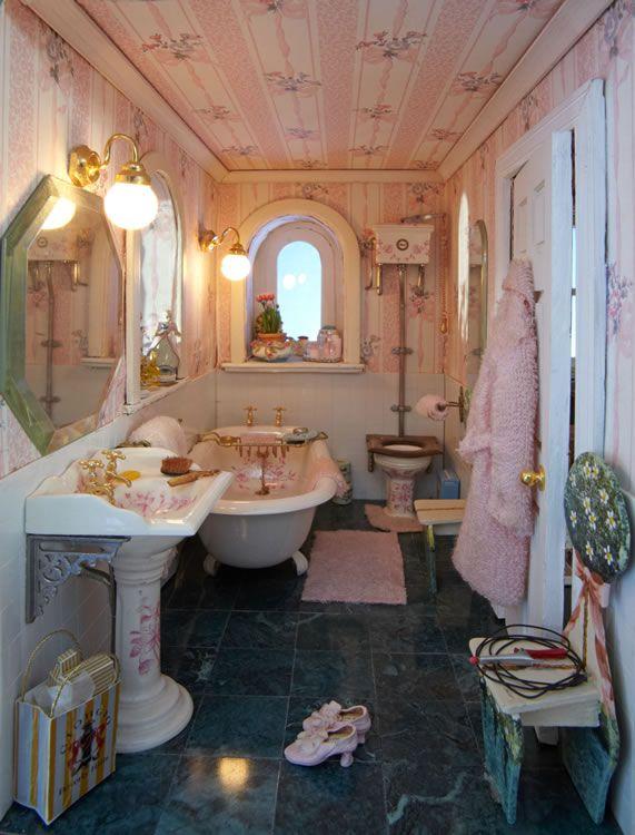 San Fran 08 Bathroom CH5 Dh110