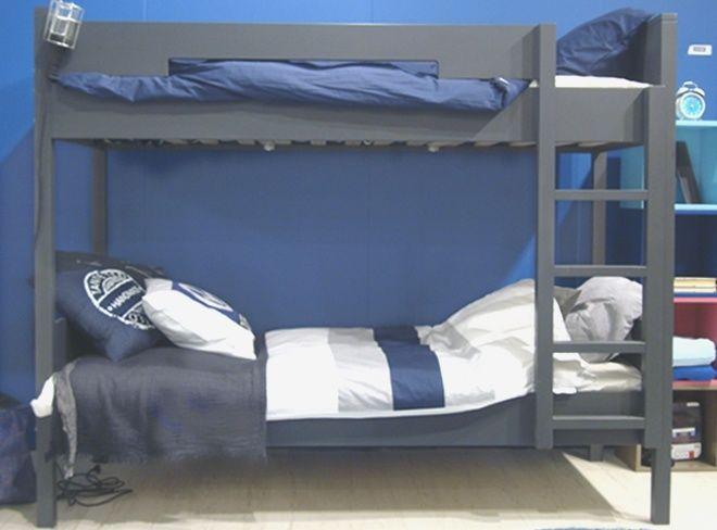 Stoere logeerplek of samen op een kamer stapelbed antraciet grijs blauw wit - Een kamer in grijs en wit schilderen ...