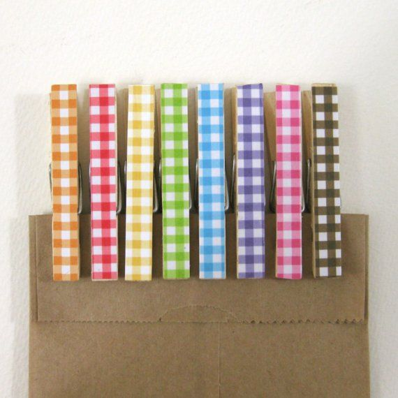 gingham clothespins: Nifti Ideas, Altered Clothespins, Gingham Clothespins, Cute Ideas, Living Clothespins, Gingham Happy, Covers Notebooks, Clothespins Sets, Gingham Goodies