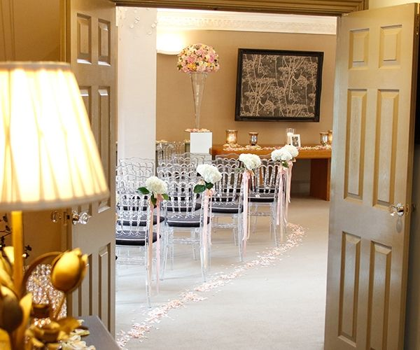 For Stunning Contemporary Wedding Venue In Surrey With A Picturesque Country Location Russets House Is Wonderful Choice
