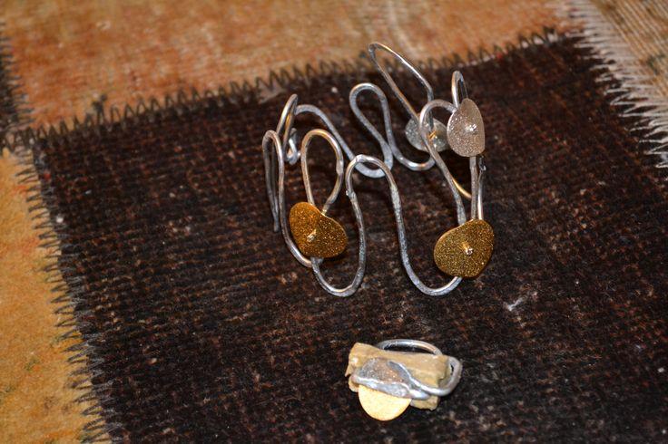 jewelry exposed with Sartori's rugs