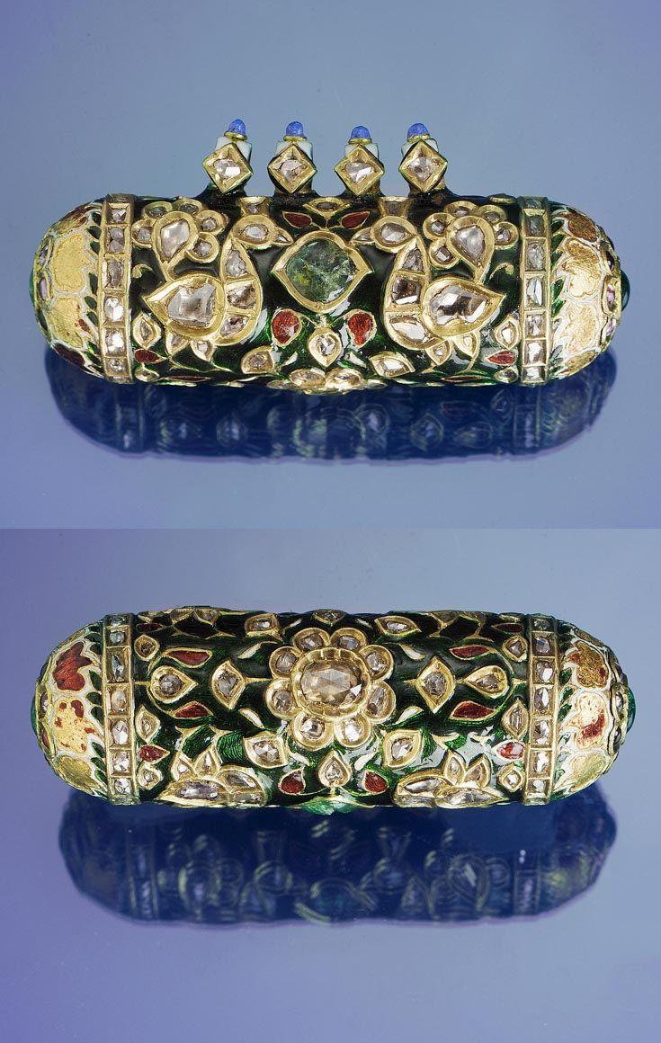 India | Mughal gem-set and enamel gold amulet pendant | ca. 17th / 18th century | Est. 7'000 - 9'000£ ~ (Apr '05)