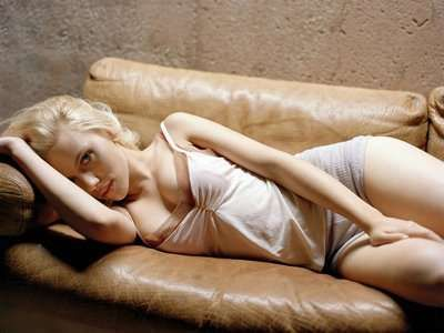 Mannequin-Like Campaigns: Scarlett Johansson is a Stoic Model for Mango S/S 2010