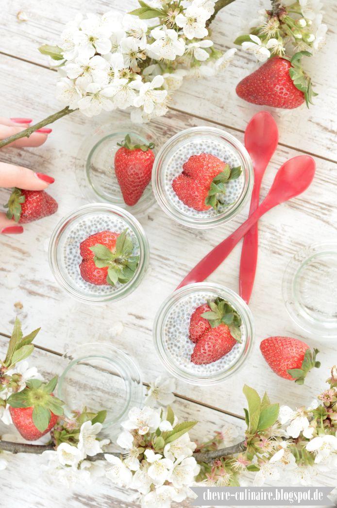 Chèvre culinaire: [Rezept] Die ultimativen Superfoodtrends vegan, raw & paleo - Chia Kokos Pudding mit Erdbeeren