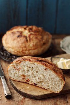 chleb nie wymagający nocnego leżenia (tylko 2 godziny!) z suszonymi pomidorami