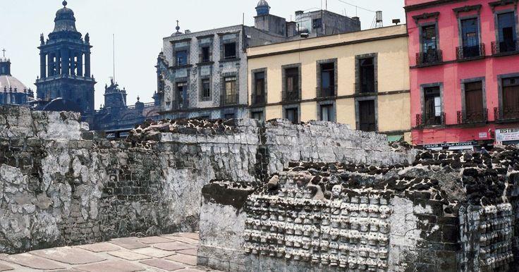 ¿Cómo fue la conquista de México?. La conquista de México pasó por varias etapas y estuvo marcada por cruentos combates. El episodio más importante fue la derrota de Tenochtitlán a manos de Hernán Cortés. El proceso les tomó unos tres años a los españoles. Así fundaron el Virreinato de Nueva España. Una vez dominada la capital del imperio Azteca iniciaron un proceso de expansión ...