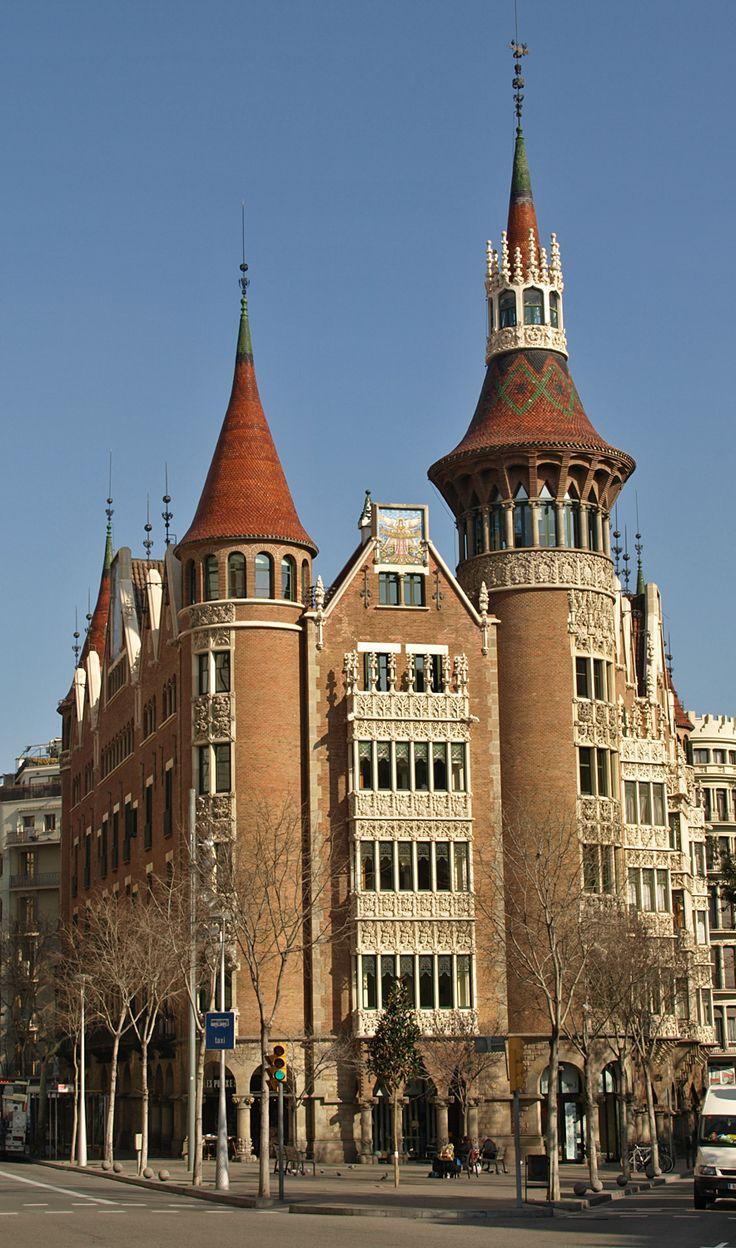 La Casa de les Punxes o Casa Terrades (Barcelona), obra de Josep Puig i Cadafalch de 1905