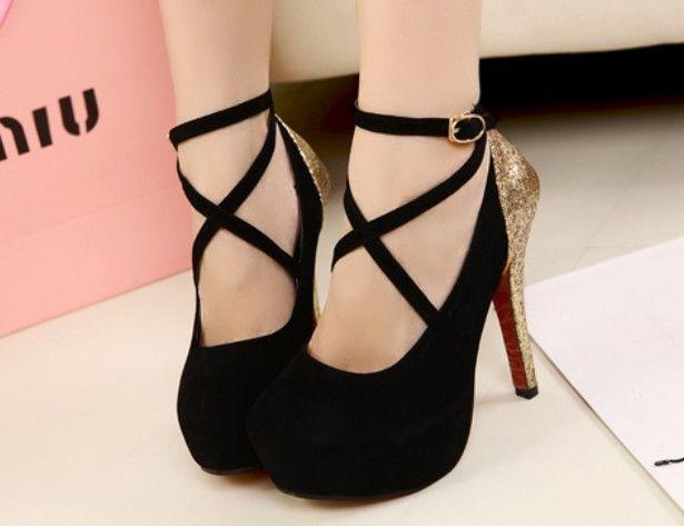 Sapatos Salto Alto Vintage com Laço Camurça