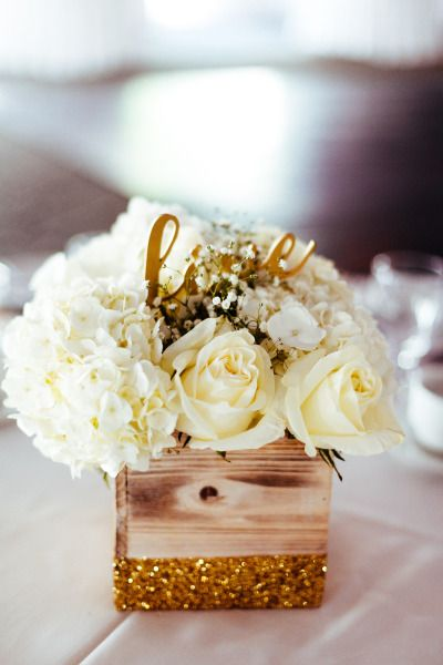 White flowers and gold glitter: http://www.stylemepretty.com/canada-weddings/ontario/ottawa/2014/08/14/elegant-ontario-wedding/ | Photography: Joel Bedford - http://www.joelbedfordweddings.ca/