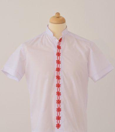 Új ember ing, piros díszítéssel