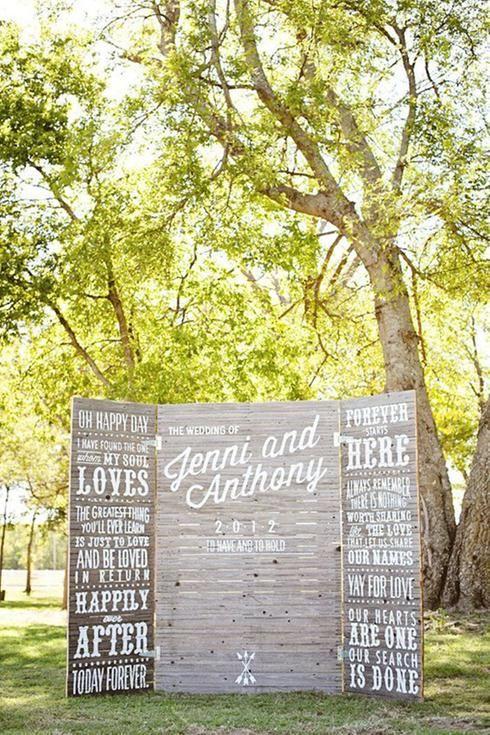 Photobooth de mariage créé à partir d'un paravent en bois