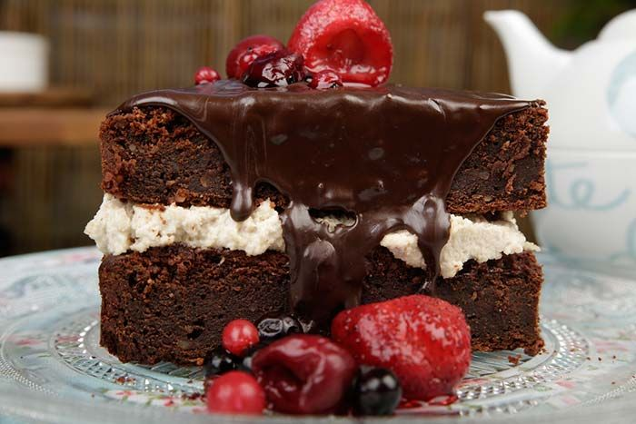 Vegan σοκολατένιο κέικ με κρέμα κάσιους, συνταγές για χορτοφάγους χωρίς γλουτένη