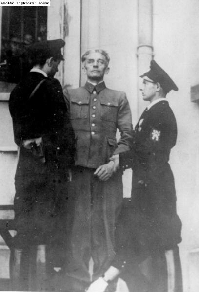 Public hanging of Karl Hermann Frank. Prague, 22.05.1946