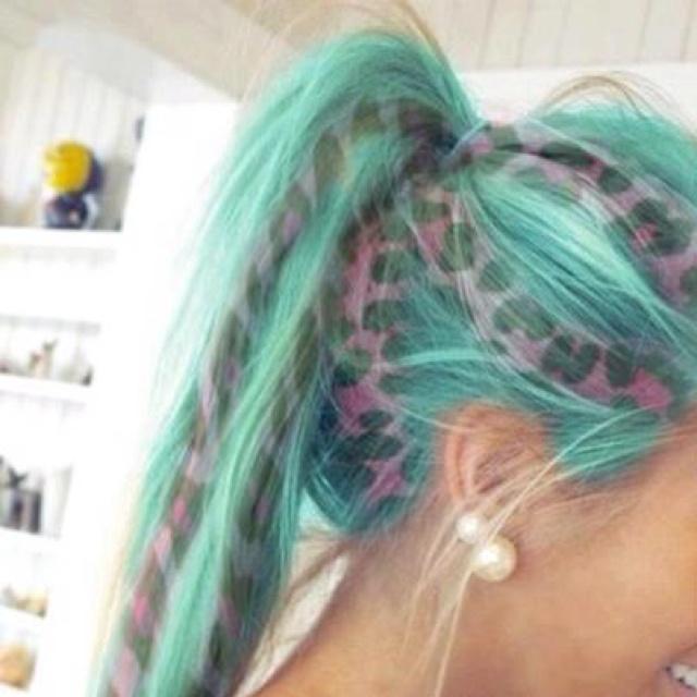 Blue cheetah hair