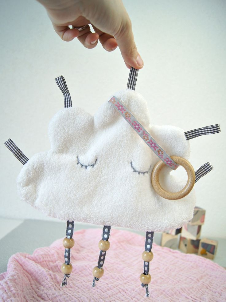 Nähanleitung für ein Knistertuch: Süsse Wolke zum Spielen und Entdecken für das Baby | von Fantasiewerk