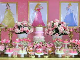 Mais um pouquinho da delícia de festa que fizemos : Princesas!!