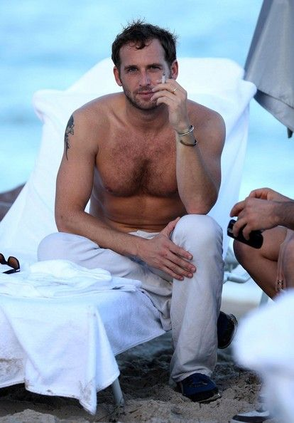 Josh Lucas. Speechless. Imagine he would look at you like that...I would faint or jump at him