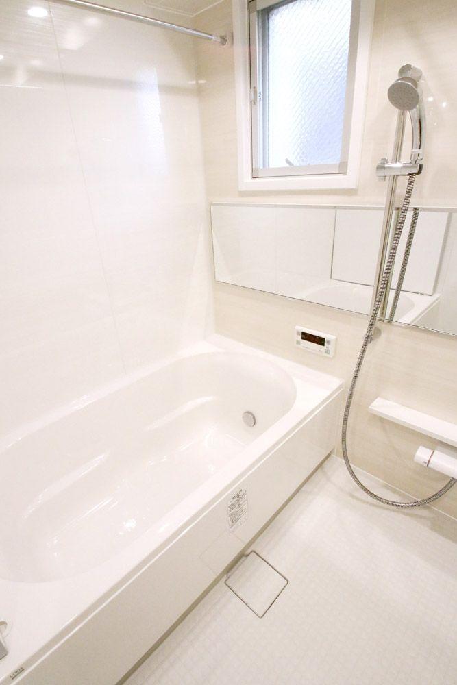 バスルーム(マンションリフォーム・リノベーション事例:目黒区中央町)- トイレ/バス事例