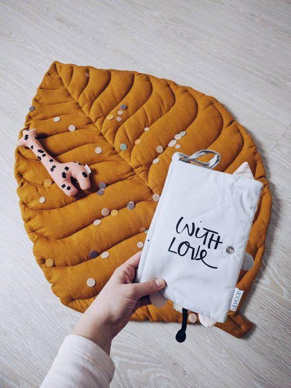 SOFORT LIEFERBAR! Blatt Spielmatte aus Naturleinen, Senf Farbe