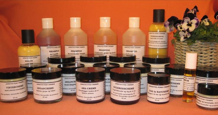 Mine produkter er baseret på de aller bedste råvarer, helt fri for syntetiske tilsætningsstoffer, parfumer, farvestoffer og parabener - og hvor det overhovedet er muligt har jeg anvendt vegetabilske, økologiske råvarer - og det til en pris, hvor vi alle kan være med.