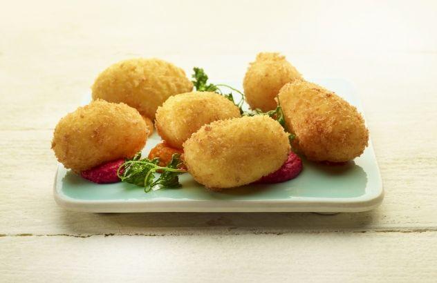 Kroketten van aardappel en kabeljauw met kruidenmayonaise