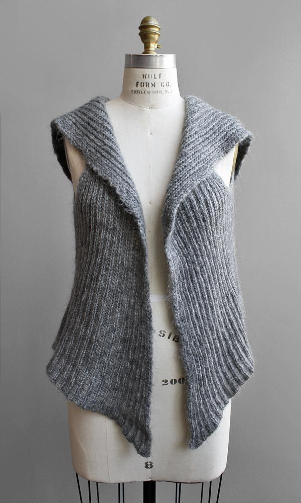 For those days when a sweater is too heavy, and  tee is too light. Would LOVE this in alpaca-angora blend :)