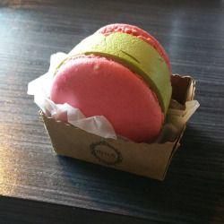 philipfillup: #greentea #icecream #macaroon (at Gen Korean BBQ Cerritos)