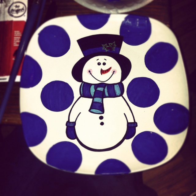 Painted plate $25 with stand. SOLD. Can make more. & 82 best Plates images on Pinterest | Xmas Christmas plates and ...