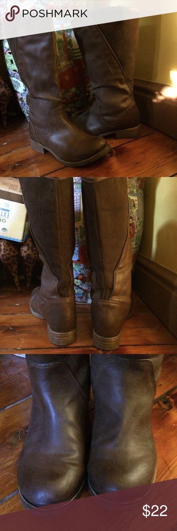 Capa de ozono high high brown boots! Capa de ozono high high brown boots with decorative zipper design. capa de ozono Shoes