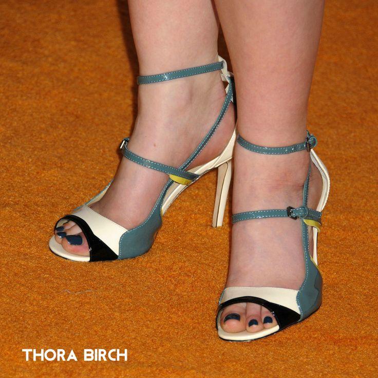 Thora Birch Feet