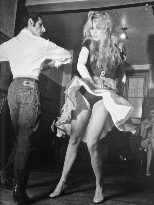 Brigitte Bardot dancing Flamenco | Everybody Dance Now ...