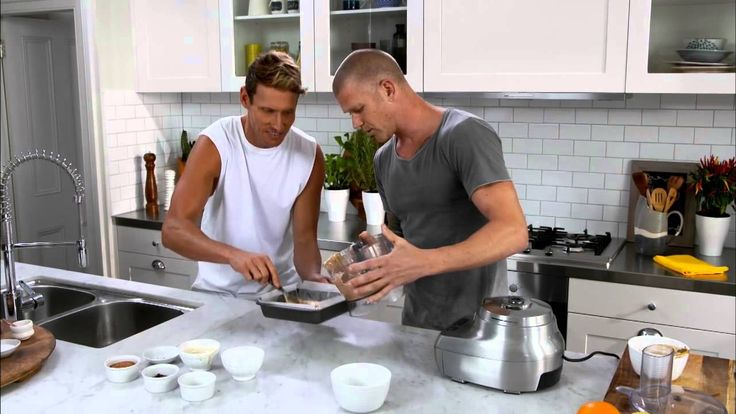 Resident foodies Luke Hines and Scott Gooding focus on food to help keep your family healthy. This week's recipe is an easy to make coconut choc fudge.