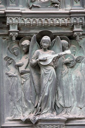 And the angels sing   Detail of the Duomo