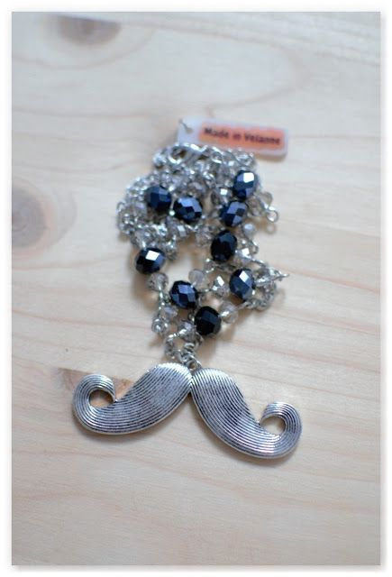 Le tutoriel pour réaliser un sautoir moustache à l'occasion de Movember