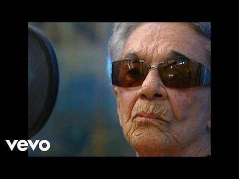Chavela Vargas Toda Una Vida - YouTube