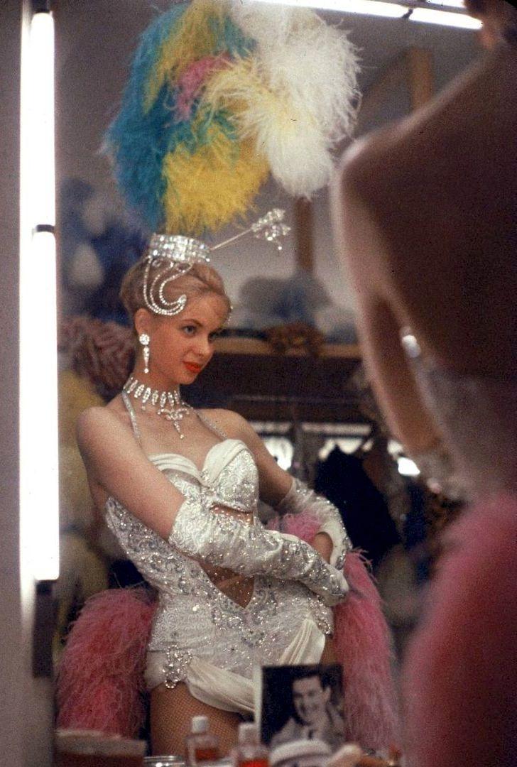 Las Vegas showgirl, mid-20th C.