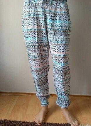 Kup mój przedmiot na #vintedpl http://www.vinted.pl/damska-odziez/alladynki/14347946-kolorowe-spodnie-wzory-azteckie-haremki