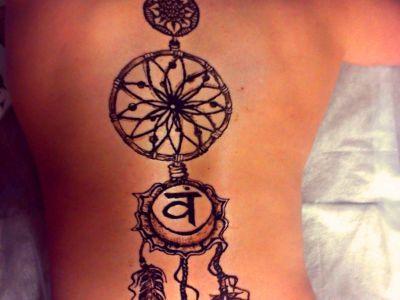 Henna-cialo-1.jpg
