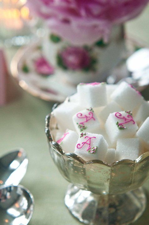 Love the detail. monogramed sugar cubes