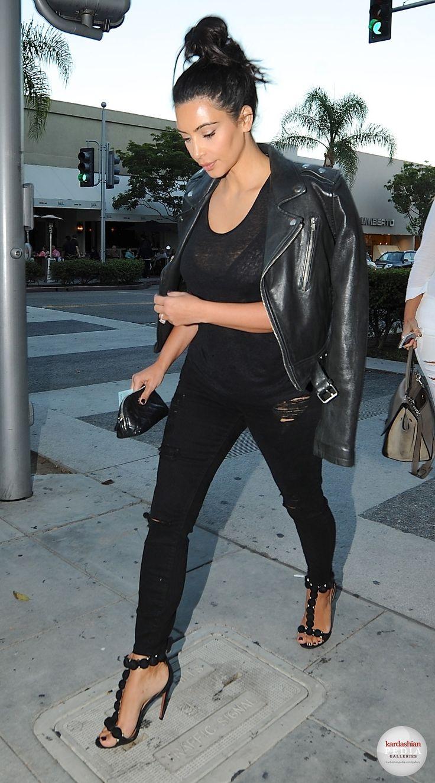 Kim out for dinner at La Scala in LA - August 5, 2014 www.redreidinghood.com