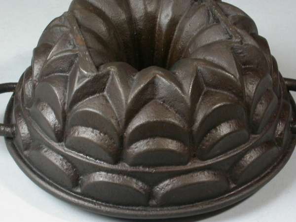 Cast Iron Cathedral Cake Pan