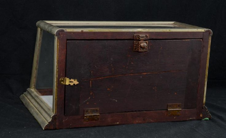 Lot: Country Store Counter Top Display Case, Lot Number: 0011, Starting Bid: $50, Auctioneer: Nest Egg Auctions, Auction: Monday night Antiques Auction, Date: April 10th, 2017 MDT