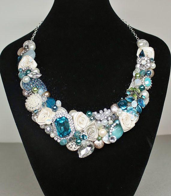 Bib de collier bleu turquoise Bib Necklace  Bleu par BrassBoheme, $135.00