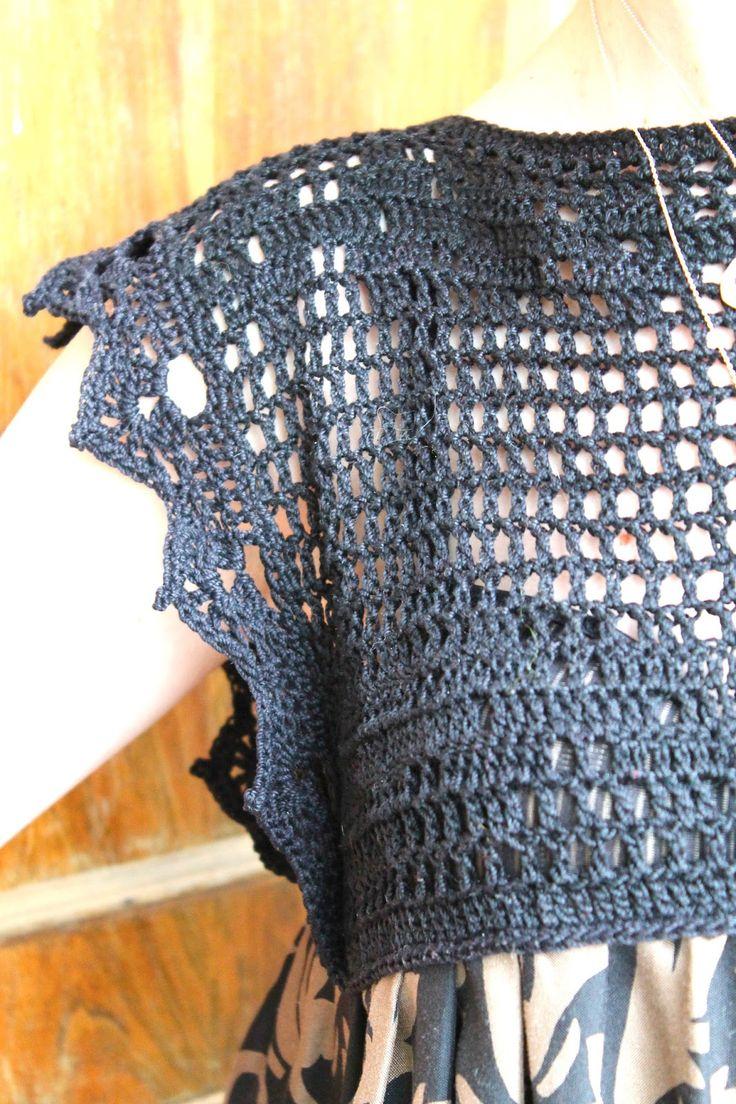 Häkelkleid Häkelkleid mit Rock aus Stoff   – Filet crochet / Filet virkning
