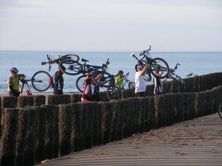Kustmarathon 2013 | Een driedaags evenement in begin oktober. Wandelen, hardlopen en ook moutainbiken..Zeeland op foto