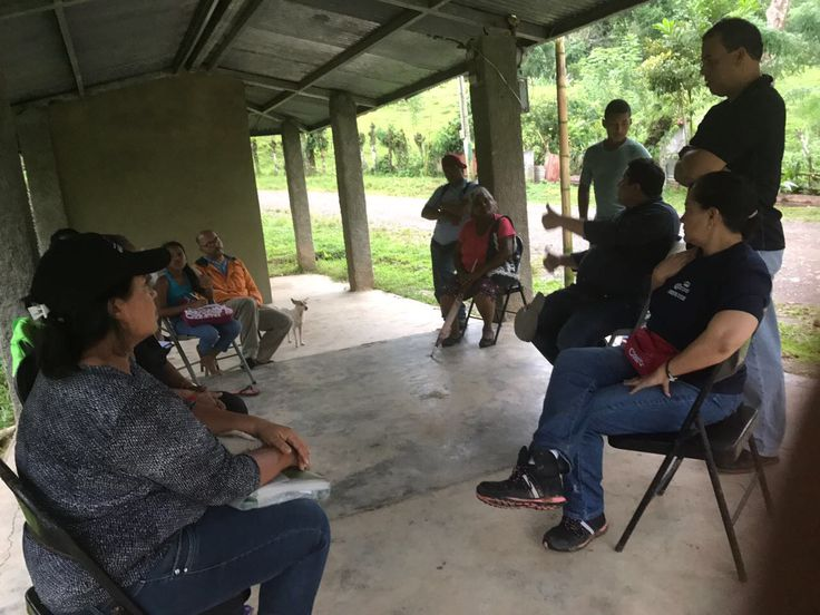 "Visit of the STS consultant team to the Visitors Attention Committee of Río Boqueron, Chagres National Park, during the implementation of ""Advice for the Implementation of 5 Business Plans in 3 Protected Areas (PN Chagres, PN Soberania and PN Altos de Campana, June - November, 2017) ¨, ECOTUR-AP / MiAmbiente"