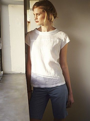 PLAIN WHITE MOLOKO TOP